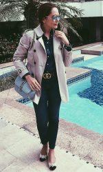 Look com o clássico  trench coat Burberry